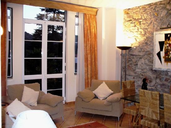 Hotel Sol e Serra: Salon de una Suite