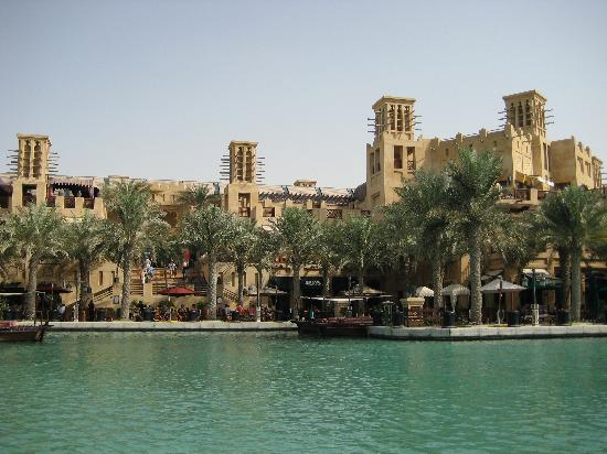 restaurants at the souk (2 mins boat 'glide' from our room)