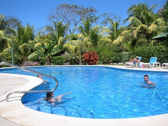 Mal Pais Surf Camp & Resort: Mal Pais Surf Camp Pool
