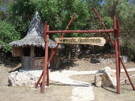 Ambrosio Cave: Cave Entrance