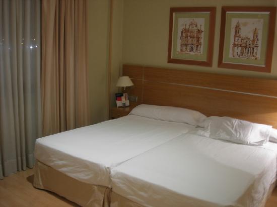 Sancho Ramírez Hotel: Chambre 202