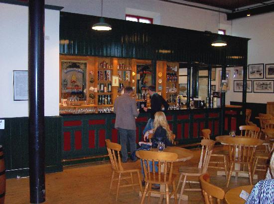 Bushmills Distillery : the tasteing area