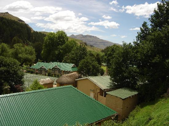 Gooderson Drakensberg Gardens Golf & Spa Resort: Resort view pic 2