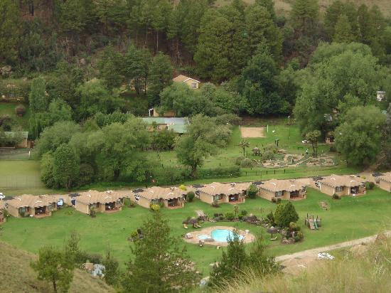 Gooderson Drakensberg Gardens Golf & Spa Resort: Resort view pic 3