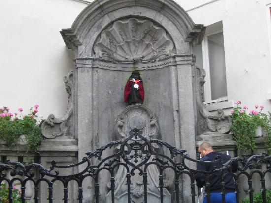 Hotel Leopold Brussels: Mannekin pis
