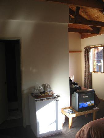 The Hobbit Motorlodge: Room pic 1