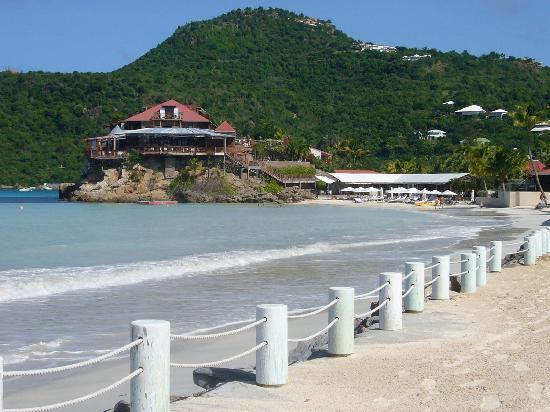 Hotel Emeraude Plage : view of Eden Rock from hotel