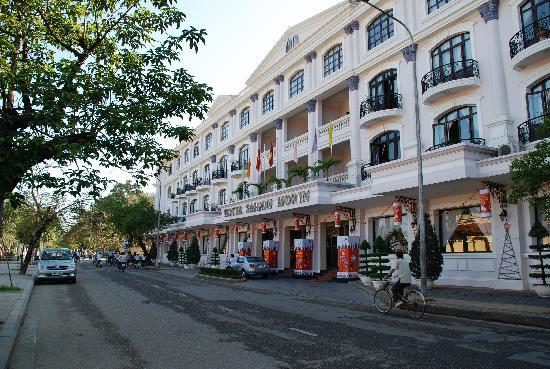 Hotel Saigon Morin: view from street