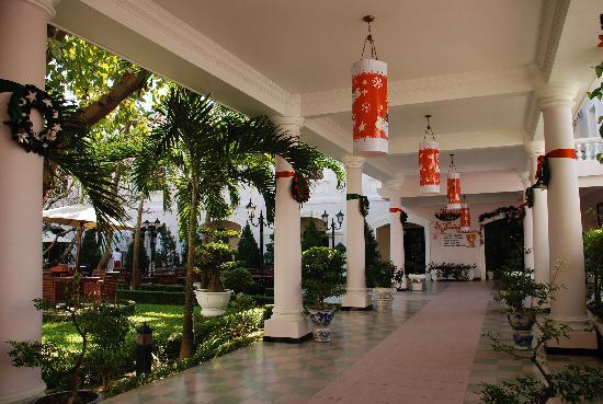 Hotel Saigon Morin: outdoor passage