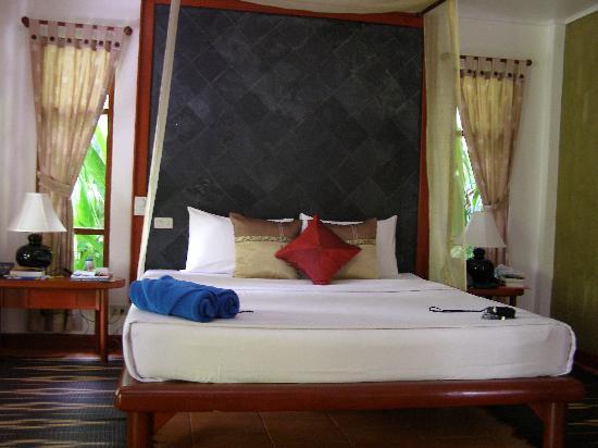 Bangtao Beach Chalet: Chambre 2