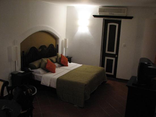Habarana Village by Cinnamon: Bedroom