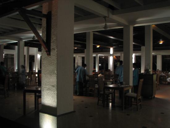 Habarana Village by Cinnamon: restaurant
