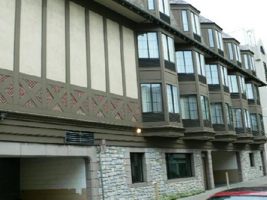side elevation of motel picture of chelsea inn san. Black Bedroom Furniture Sets. Home Design Ideas