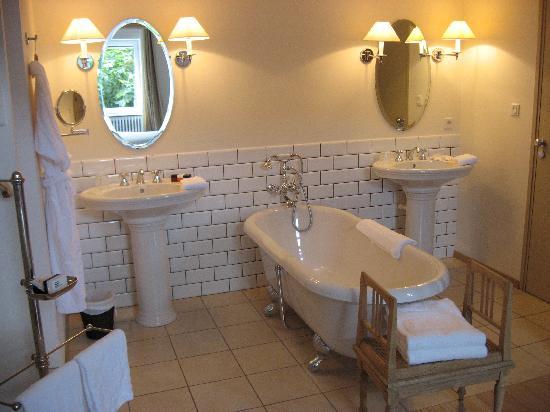 Auberge du Paradis : salle de bain chambre Gingembre