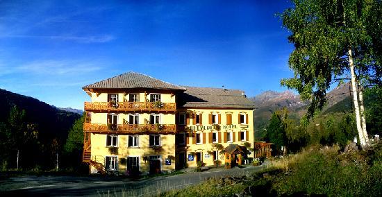 Hotel Belvedere: bevédère vue depuis la route