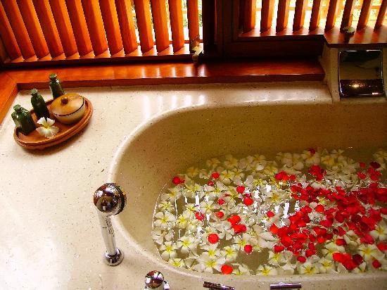 Four Seasons Resort Bali at Sayan : les fleurs pour la lune de miel