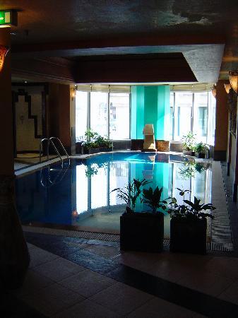 Kempinski Hotel Corvinus Budapest: Pool area