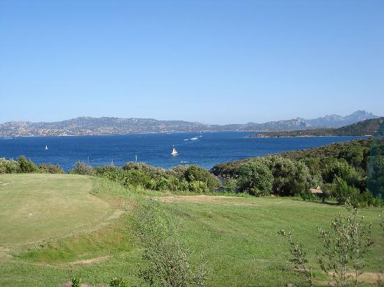 Residence Il Mirto : Golf course of capo d'orso hotel next door.