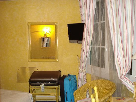 Ile de France Opera Hotel : habitacion 44b