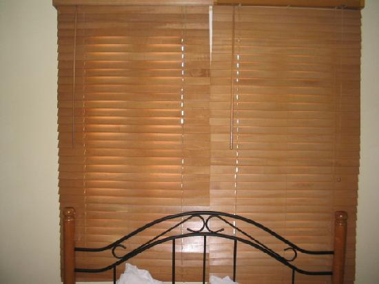 Hotel Villa del Sol: The Blind that would not open