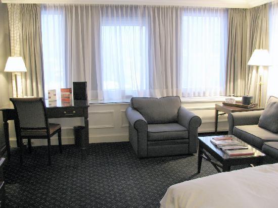 Le Meridien Versailles: junior suite room