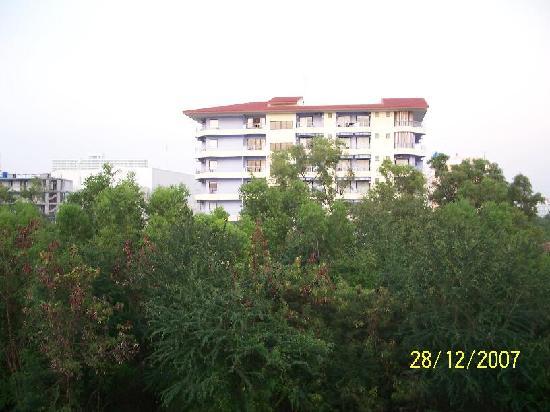 Neta Resort Pattaya: View of Mercure Hotel from Balcony