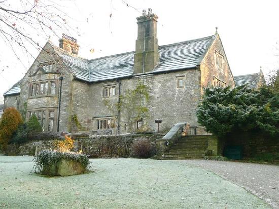 YHA Hartington Hall: Hartington Hostel on a gorgeous frosty morning.