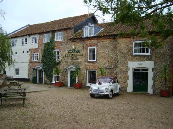 Fakenham, UK: Our wedding car outside the Mill