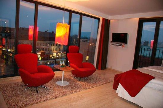 Avalon Hotel - Deluxe Corner Room