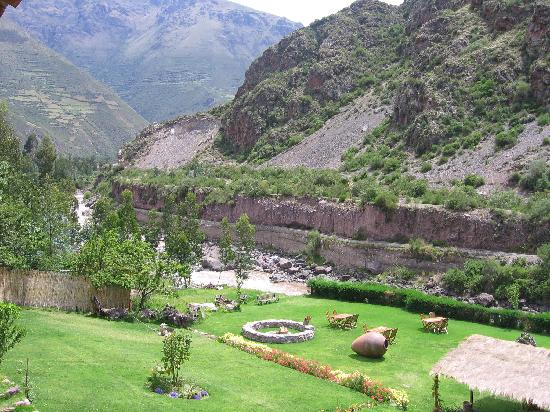 Urubamba Boutique Lodge: vista desde el balcon