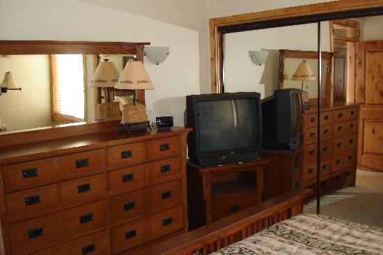 Three Kings Resort: master bedroom