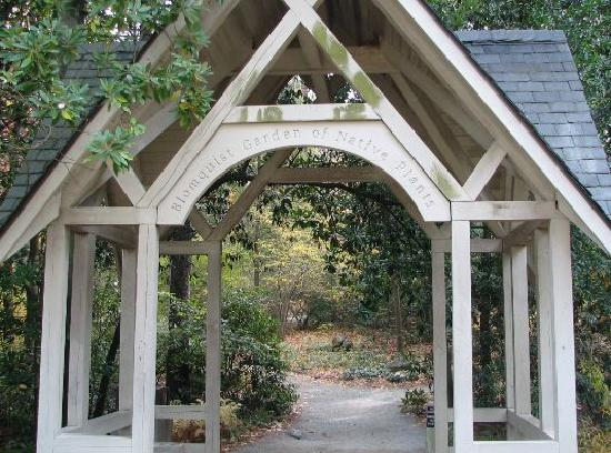 Durham, Kuzey Carolina: Entrance To Native Gardens