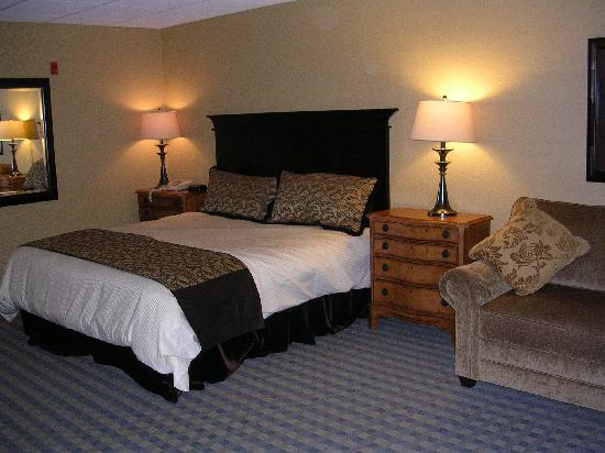 The Pointe at Castle Hill Resort: King room