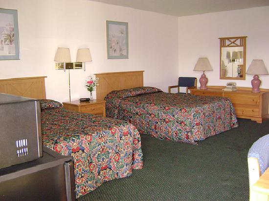 Guest Room - 2 Double Beds