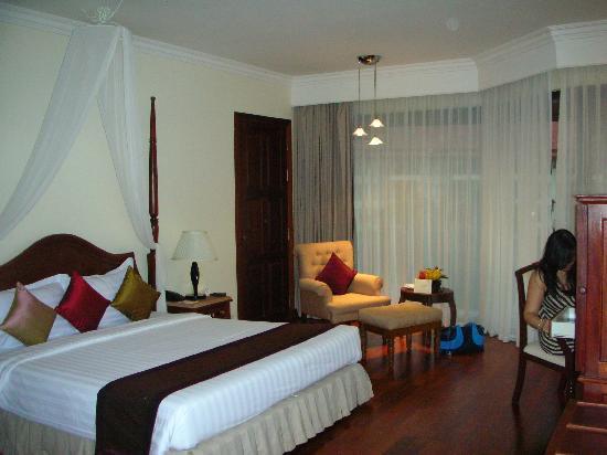 Angkor Palace Resort & Spa: Room