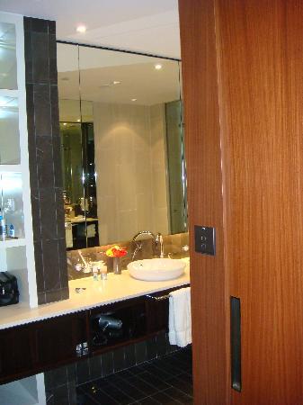 InterContinental Dubai Festival City: Bathroom