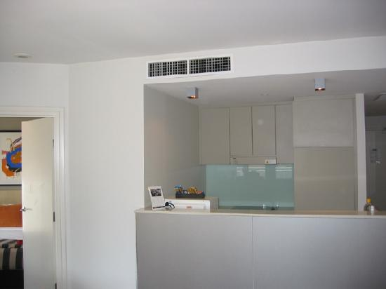 Adina Apartment Hotel Sydney Darling Harbour: Kitchen