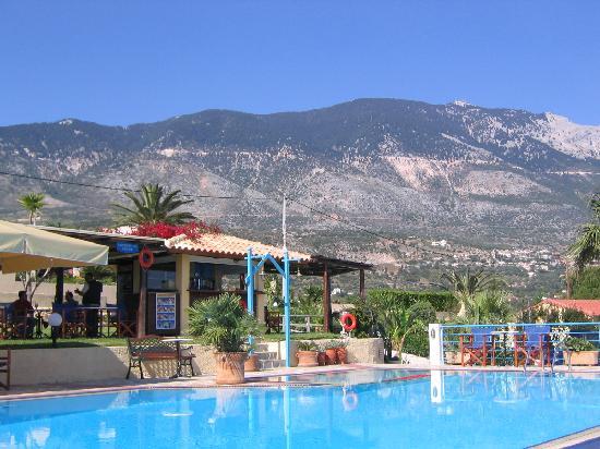 Alekata Villas: Villa Rosa pool