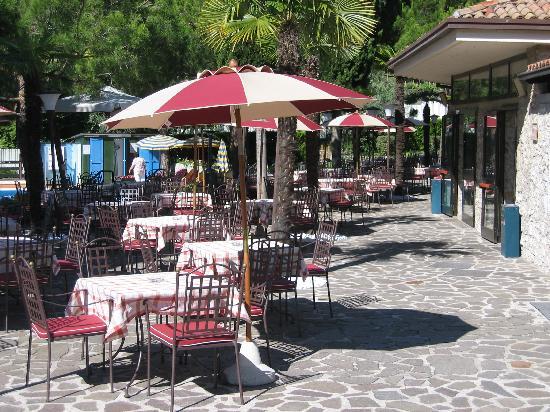 Hotel Caravel: la terrasse de l'hotel