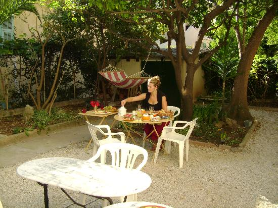 Hotel Villa Les Cygnes: Villa Les Cygnes -garden
