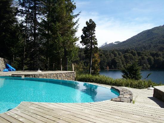 Foto de hosteria puerto sur villa la angostura la for Temperatura piscina climatizada