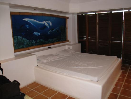 Pinjalo Resort Villas: bed