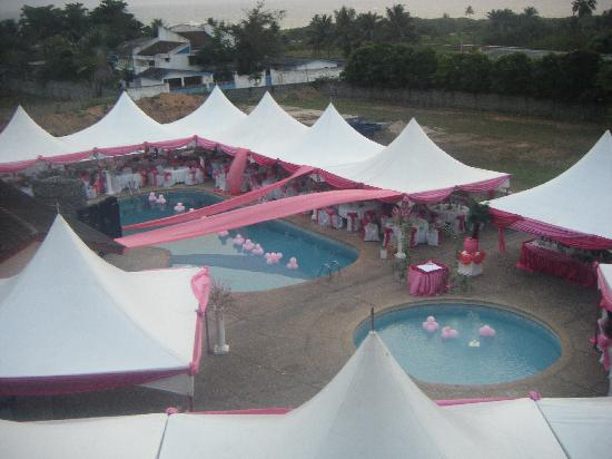 Sekondi-Takoradi, Gana: POOL AREA DECORATED FOR A WEDDING