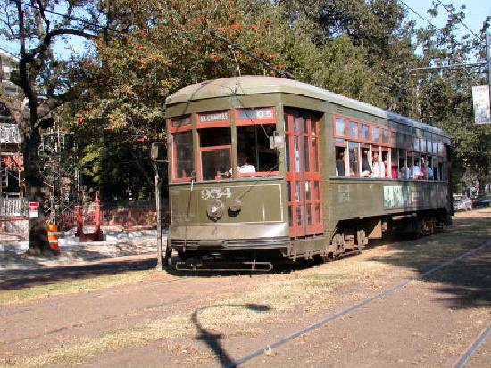 Chateau Orleans: Nearby street car