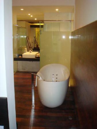 The Fortress Resort & Spa: bathroom