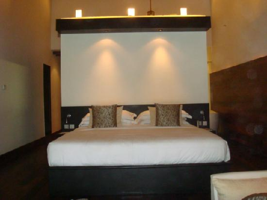 The Fortress Resort & Spa: is the bed big enough!