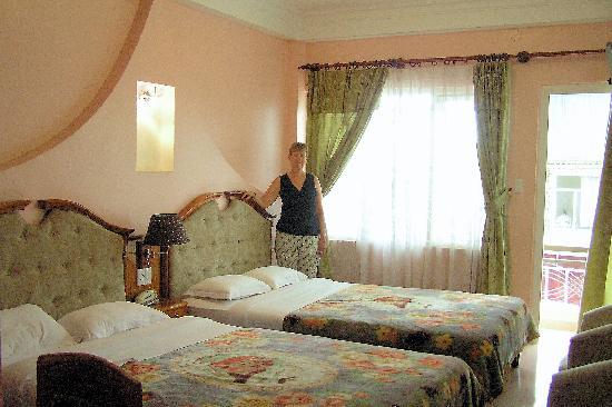 Dreams Hotel: Dalat Dreams 2 Hotel Room, 2nd floor front