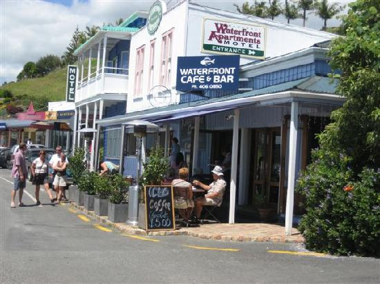 Coopers Beachfront Suites: Mangonui nearby