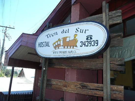 Hostal Tren del Sur: entrance sign