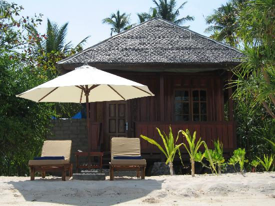 Wakatobi Dive Resort: Front of our bungalow